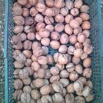 Орехи грецкие, в Москве