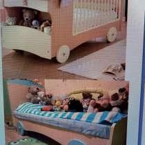 Продаются люлька, итальянская кроватка-трансформер и манеж, в Жуковском
