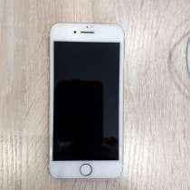 Продам айфон 7 стоит стекло,5 шт чехлов, в Холмске