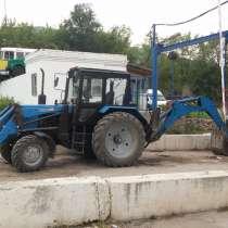 Трактор-экскаватор, в Жигулевске