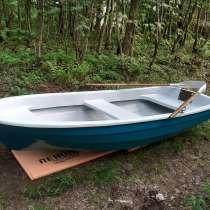 Стеклопластиковая лодка 320, в Санкт-Петербурге