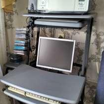 Компьютерный столик, в Комсомольске-на-Амуре