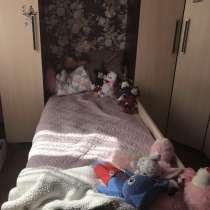 Кровать, в Октябрьском