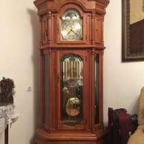 Немецкие напольные часы из красного дерево, в г.Баку