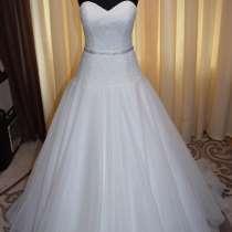 Новое свадебное платье, в г.Черновцы