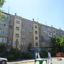 Продам срочно! 3 к. кв, 10 мкр. 61м2.105 серия. 46т.$, в г.Бишкек