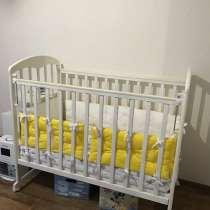 Детская кроватка с полным комплектом, в Санкт-Петербурге