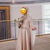 Платье на никах 44 размер, в Казани