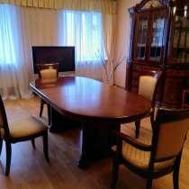 Комплект мебели стол. 6стульев. горка, в Нижнем Новгороде