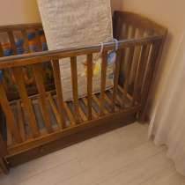 Детская кроватка массив с матарсом, в Москве