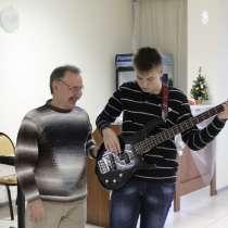 Обучаю игре на гитаре, в Ростове-на-Дону