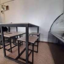 Продаю столы, стеллажи, 1-а спальная кровать с матрацем, в г.Бишкек