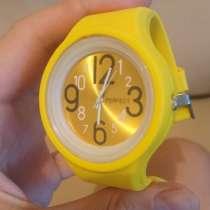Желтые наручные часы, в Перми