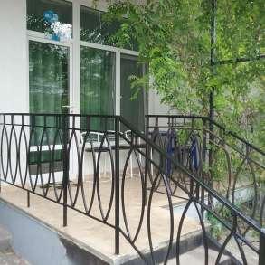 Сдам люкс-апартаменты в коттедже в 100м. от моря в Коктебеле, в Феодосии