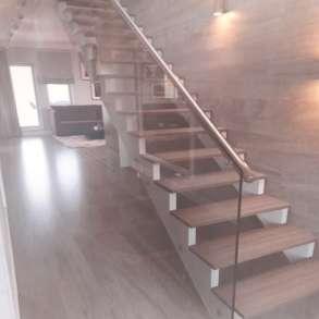 Ремонт лестниц из дерева, в Москве