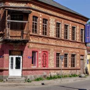 Оригинальное помещение кафе клуба Троицкий мост, в Пскове