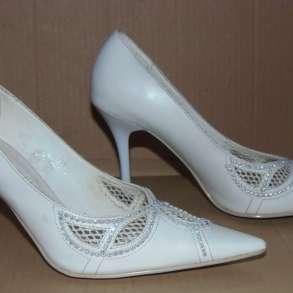 Туфли женские белые р.38 на «шпильке», в Самаре