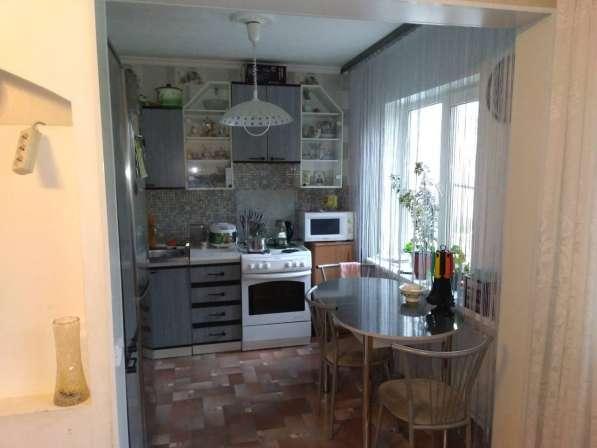 Продаю трехкомнатную квартиру в 18 квартале в Улан-Удэ