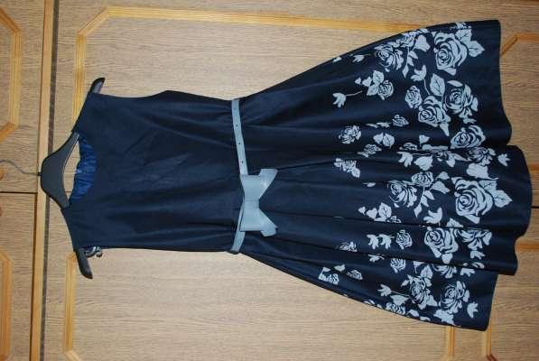 Продам платье на девочку 10-12 лет