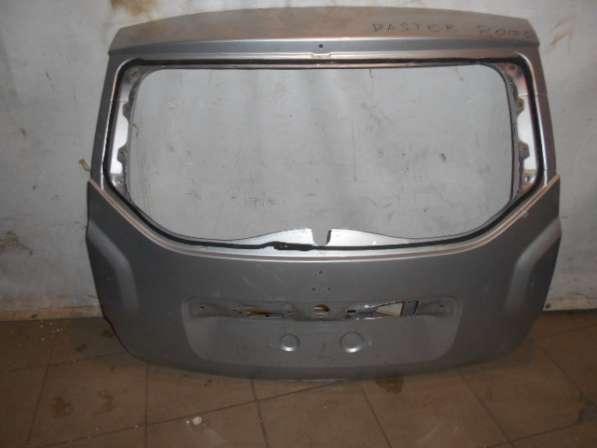 Крышка багажника на Рено ДАстер