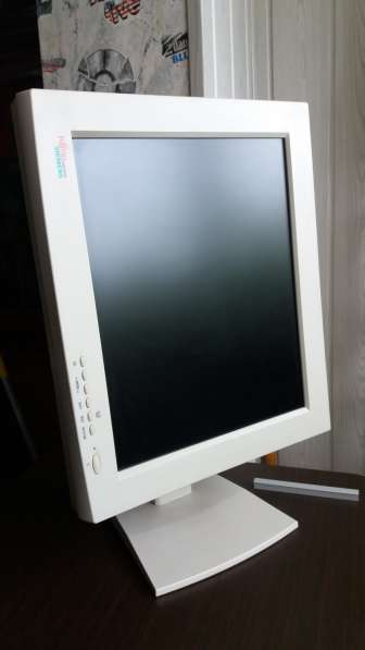 Продаётся монитор 19'' Fujitsu Siemens LСD в фото 5
