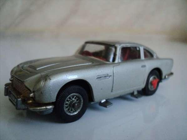 Масштабная модель автомобиля Aston Martin