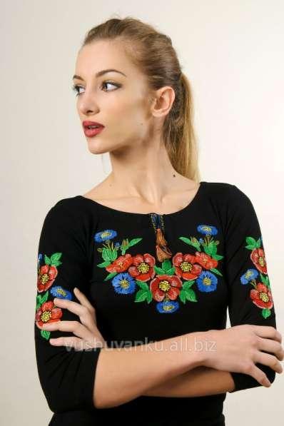 Продаю вишитие платья и рубашки делаю дизайни для машинной в