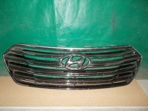 Hyundai Santa Fe - 2013г Решетка радиатора б/у Оригинал