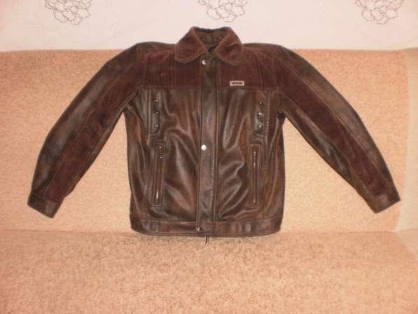 Продам подростковую демисезонную куртку в хорошем состоянии