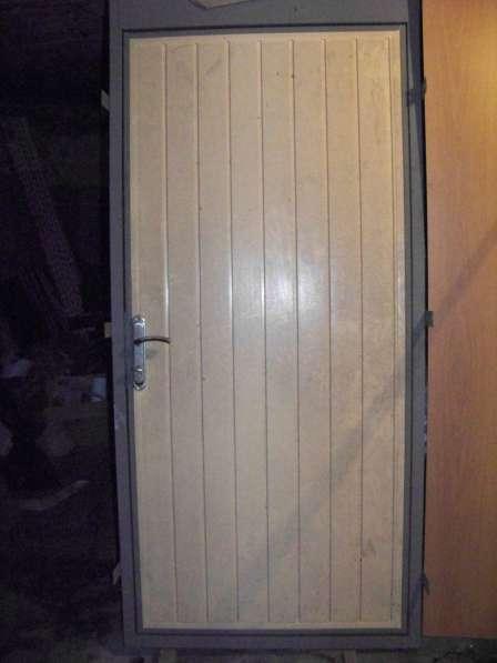 Дверь металлическая для жилых, бытовых, складских помещений