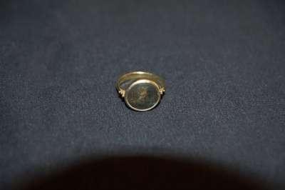 Антикварный перстень с античной монетой