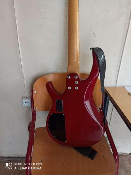 Бас гитара 5 струн и комбик 45 ват в фото 7