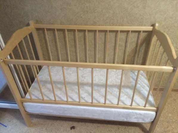 Детская кровать + матрац