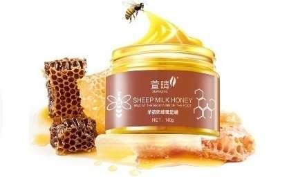 Маска для ног с пчелиным воском и козьим молоком