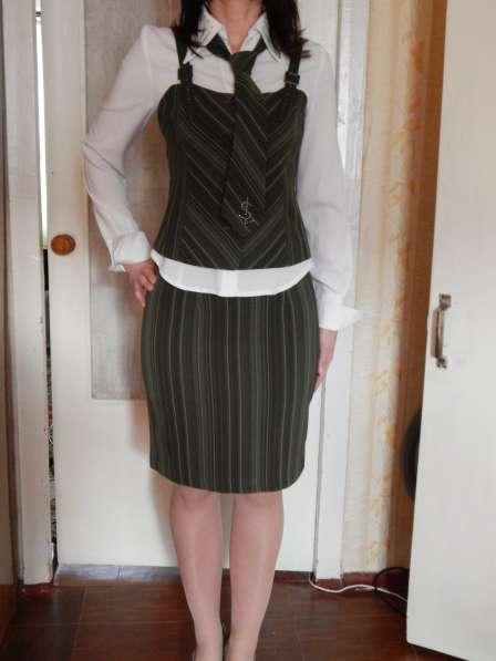 Костюм деловой (юбка, брюки, жилет, пиджак, блуза, галстук) в фото 9