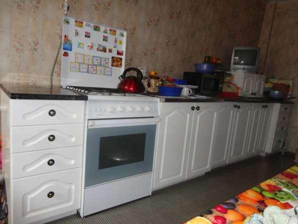 Кухонный гарнитур Sylwia (Польша) белого цвета практически н