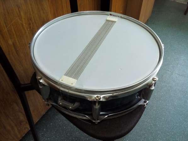 Продам 2 малых советских барабана и стойки под тарелки