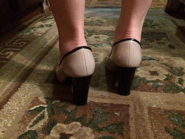 Сапоги и туфли 38 размера, черного цвета