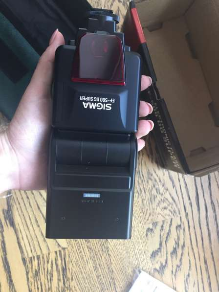 Продам срочно фотовспышку Sigma Ef-500 DG Super
