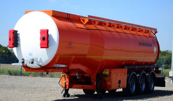 Полуприцеп бензовоз BONUM цистерна 28 м3
