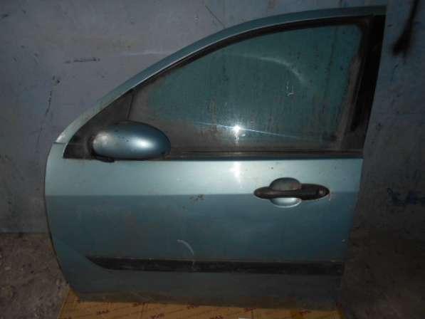 Передняя левая дверь в сборе на Ford Focus I 1999-2004г