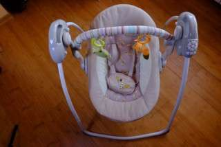 Продаю качели Babycare 0+