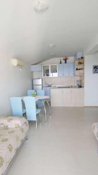 Квартира в новом доме с видом на море в фото 4