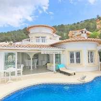 Утончённая вилла с видом на горы в Испании, Бенитачель, в г.Benitachell
