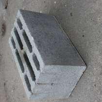 Керамзито-бетонный восьмищелевой блок, в Орехово-Зуево