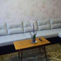 Продаю новый, большой, угловой диван, в Омске