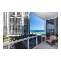 Апартамент с видом на океан в Санни-Айлс-Бич, в г.Майами