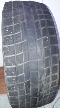Продам зимнюю шину YOKOHAMA215/55/17, в Краснодаре