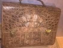 Портфель из кожи крокодила, в Москве
