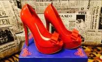 Продам шикарные лаковые туфельки, р.36, в Екатеринбурге